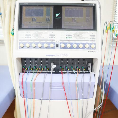 【写真】低周波治療器